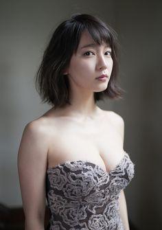 Yoshioka Riho / 吉岡里帆 on Weekly Playboy Extra Most Beautiful Faces, Beautiful Asian Women, Beautiful Ladies, Beach Wear, Kawaii Girl, Portraits, Vogue, Japanese Girl, Japanese Beauty