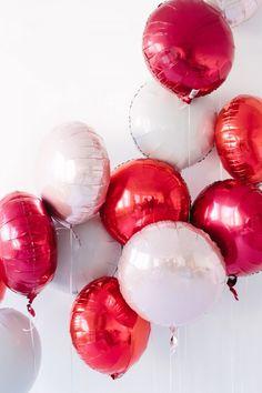 Pucker Up! Valentine's Day Party | Studio DIY®
