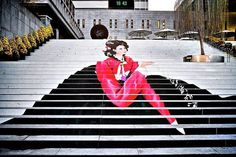 source Street art is visual art made in public places. Those public places can be walls, roads, pavements and even stairs. Check out these Amazing Stairs Street Art, and there is definitely something that could inspire you. Amazing Street Art, 3d Street Art, Street Art Graffiti, Street Artists, Stairway Art, Stairway To Heaven, Escalier Art, Performance Artistique, Outdoor Steps