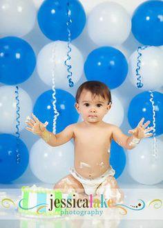 backdrop idea - blue balloons