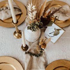 """mach's hübsch on Instagram: """"#abouttoday #dekoinspiration . Ich wünsche euch einen schönen Abend 🧡😘 . . #weddingwednesday . . #dekoration #weddingdayready…"""" Boho Wedding, Table Settings, Inspiration, Table Decorations, Instagram, Home Decor, Weddings, Dekoration, Biblical Inspiration"""