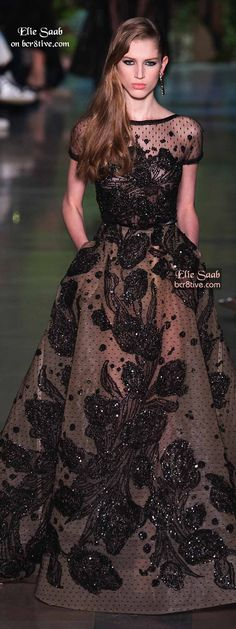 Elie Saab took a trip down memory lane and opened the door to his past, allowing it to inspire him for his Spring 2015 Couture Collection. Beautiful Gowns, Beautiful Outfits, Elie Saab Couture, Elie Saab Spring, Oscar Dresses, Cocktail Gowns, Western Dresses, Couture Fashion, Designer Dresses