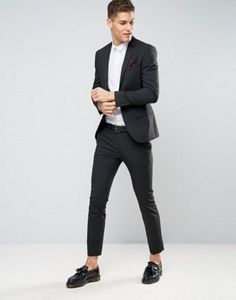 Discover men's suits with ASOS. Shop for a range of men's suits, blazers, dinner suits and mix and match suit jackets & suit trousers for every occasion. Men's Wedding Shoes, Wedding Men, Wedding Suits, Summer Wedding, Black Suit Wedding, Trendy Wedding, Mens Skinny Suits, Mens Tailored Suits, Black Suit Men