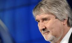 Ippica a rischio lavoro, chiesto incontro urgente a ministro Poletti