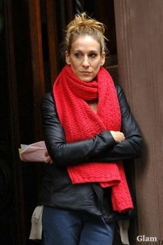 carrie bradshaw red knit scarf - Google Search