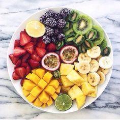 一生太らない、リバウンドしないという謳い文句でアメリカで話題沸騰中の「17日間ダイエット」。結果がすぐ出るということでも人気なんです。有名人も次々とスリムな身体をゲットしているダイエット法のポイントをご紹介していきます!