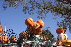 Halloweendeko in Disneyland