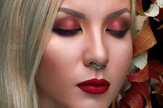 Трендовый макияж осень-зима. Красные smoky eyes. Новогодний макияж 2017