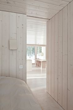 my scandinavian home: A sustainable Finnish cabin /Alternative wall finish Interior Wood Paneling, White Paneling, Scandinavian Cabin, White Wash Walls, White Cabin, Cabin In The Woods, Whitewash Wood, Wood Panel Walls, Cabin Interiors
