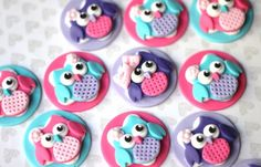 Edible fondant owl toppers. One set of owl fondant toppers. Perfect for birthday, baby shower, baptism or christening celebration. by Les Pop Sweets on Gourmly