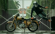 Royal enfield classic 500 Enfield Classic, Motorcycle Photography, Royal Enfield, Motorcycles, Motorbikes, Biking, Motorcycle, Engine, Crotch Rockets