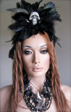 Voodoo priestess headdress- possibility for this years costume? Voodoo Party, Voodoo Costume, Voodoo Halloween, Horror Costume, Halloween Kostüm, Holidays Halloween, Halloween Themes, Halloween Makeup, Halloween Costumes