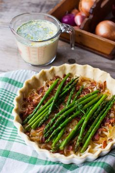 Asparagus and Bacon Quiche: a tutorial - Simple Bites Asparagus Bacon, Simple Green Salad, Bacon Quiche, Breakfast Specials, Savory Tart, Breakfast Recipes, Brunch Recipes, Dinner Options, Quiche Recipes
