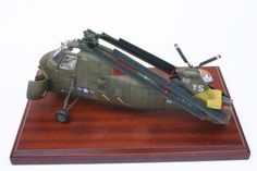 Gallery model Sikorsky from Gallery Models, a scale model built by Rudi Meir in Helicopters, Scale Models, Aircraft, Aviation, Plane, Airplanes, Planes, Airplane, Choppers
