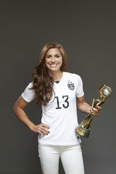 Alex Morgan whenever I think about her I smile💙 Female Soccer Players, Usa Soccer Team, Soccer Tips, Nike Soccer, Soccer Cleats, Soccer Photography, Alex Morgan Soccer, Soccer Girl Problems, Football Girls