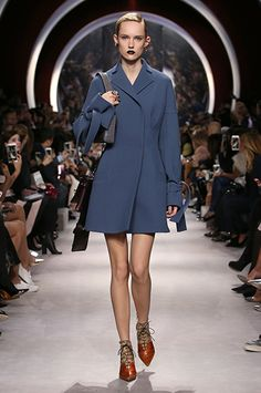 Silhouette_39 / AUTUMN-WINTER 2016-17 READY-TO-WEAR SHOW / Ready-to-wear / Woman / Dior official website