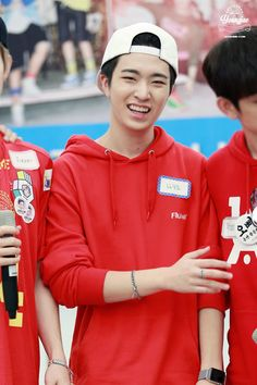 Youngjae!! He looks really good here!~
