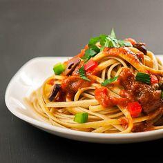 Pasta alla Puttanesca - Marinara sauce with anchovies, capers, and Kalamata olives | BentoSunday.com