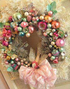 DIY: Vintage Wreath Tutorial - two wreaths & lots of vintage ornaments. by arlene Christmas Wreaths To Make, Noel Christmas, Pink Christmas, Christmas Projects, Holiday Crafts, Vintage Christmas, Christmas Decorations, Christmas Ornaments, Christmas Mantles