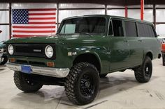 1971 International Travelall SUV, 345 V8/4speed stick/Dana Fr&RR Axle...