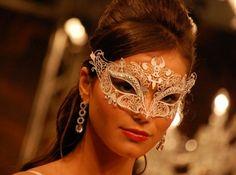 Viver mais um sonho: Formatura: Máscara.