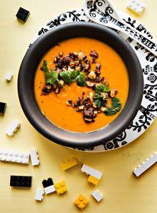 Paahdettu paprika-bataattikeitto | K-Ruoka #bataatti #paprika #somekeitto Feeling Hungry, Thai Red Curry, Soup Recipes, Smoothie, Good Food, Tasty, Dinner, Yum Yum, Ethnic Recipes