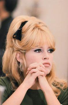 perfect peachy blonde!