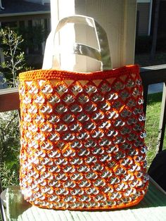 TOTE FROM SODA PULL TABS.