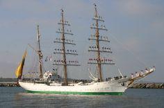 Colombian training vessel from the navy ARC Gloria leaving Scheveningen