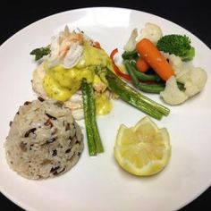 Grouper Week is here in St. Sink your teeth in to savory fresh gulf grouper at one of our signature restaurants. Or hop aboard one of our charters and reel in that fresh catch of the day! Oscar Food, Homemade Hollandaise Sauce, Clearwater Florida, Tasty, Favorite Recipes, Restaurant, Fresh, Dishes