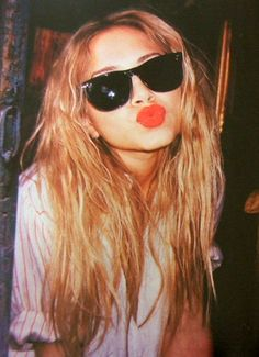 RANDOM: MK | WAYFARERS, RED LIPS + STRIPES -- Mary Kate Olsen
