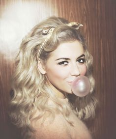 Marina and the Diamonds.