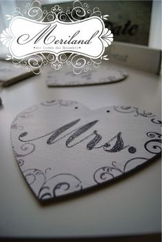 Mr & Mrs Herz Schilder Handmade Wedding, Mr Mrs, Wedding Signs, Heart, Shop Signs, Wedding Plaques, Wedding Tags, Wedding Signage