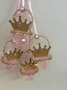 Royal Princess baby shower pacifier/royal princess crown baby necklace game/royal princess baby shower favors/royal princess baby shower - baby shower niña - Baby Tips Distintivos Baby Shower, Regalo Baby Shower, Unicorn Baby Shower, Baby Girl Shower Themes, Girl Baby Shower Decorations, Baby Shower Princess, Baby Princess, Baby Shower Centerpieces, Baby Shower Favors