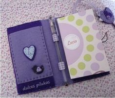 """dulces pilukas: Funda Agenda """"Colección Pajarito"""" 5 Minute Crafts Videos, Craft Videos, Felt Cover, Book Journal, Design Art, Diy Crafts, Sewing, Paper, Projects"""