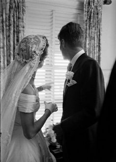 Jacqueline Bouvier and John F Kennedy