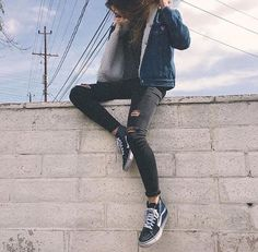 s8 hi black vans ~ fur lined jean jacket ~ ripped black jeans