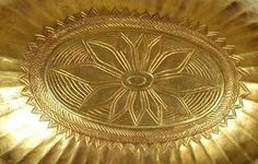 Gravado inferior de um copo de ouro , visto em navios: The Royal Tombs de Ur.