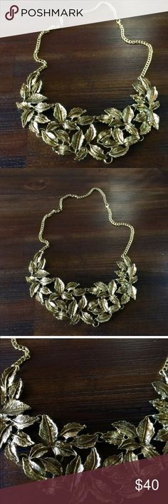 Glam statement neck piece Beautiful leaf patterned neck piece in dull gold antique finish. NWOT. Rare pattern, bought in Istanbul. Adjustable chain. Reasonable offers only. Bundle and save! 💕 Jewelry Necklaces
