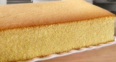 Chocolate Swiss roll with a perfect crust, perfect fluffy texture, and perfect chocolatey taste. Easy peasy with KT's step-by-step video. Honey Castella Cake Recipe, Cake Videos, Food Videos, Easy Desserts, Dessert Recipes, Cake Recept, Chocolate Swiss Roll, Delish Cakes, Big Cakes