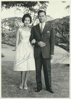 """ไม่เสียใจที่พระองค์เสด็จสวรรคต...แต่เสียใจที่ """"ประเทศไทย"""" ไม่มีพระองค์แล้ว"""