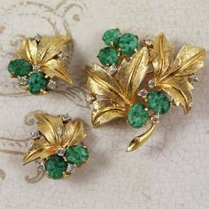 Green Peking Glass Gold Rhinestone 1950s Leaf Themed by scdvintage, $60.00