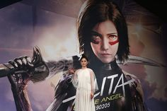 Alita battle angel manga vs movie - Alita: Battle Angel is a film visited by cyborgs found in the Iron Town dumpsite. Hindi Movies, Shakira, Disney Pixar, Alita Movie, Alita Battle Angel Manga, Female Cyborg, Angel Movie, Motion Capture, Rompers