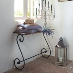 love the simplicity of this little wrought-iron entry table in front of the window Iron Furniture, Furniture Design, Wrought Iron Decor, Iron Shelf, Iron Table, Iron Art, Iron Doors, Entryway Tables, House Design