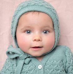 583afabc49e8 Cet été, on craque pour ce modèle de bonnet alvéoles pour bébé tricoté en