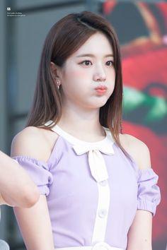 Kpop Girl Groups, Korean Girl Groups, Kpop Girls, Lee Seo Yeon, Blackpink Jennie, Magical Girl, Bias Wrecker, South Korean Girls, Close Up