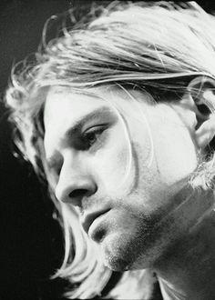 Kurt Cobain! His voice!!!