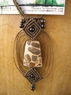 Quieres un collar largo... bonito, original y único??? Visita mi página llangka.artesanum.com