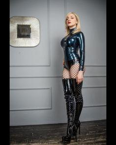 Sexy Latex, Mode Latex, Latex Bodysuit, Sexy Women, Women Wear, Leder Outfits, Image Blog, Latex Girls, Sexy Boots