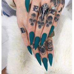 Stelleto Nails, Matte Stiletto Nails, Goth Nails, Hair And Nails, Teal Acrylic Nails, Teal Nails, Green Nails, Teal Nail Designs, Acrylic Nail Designs
